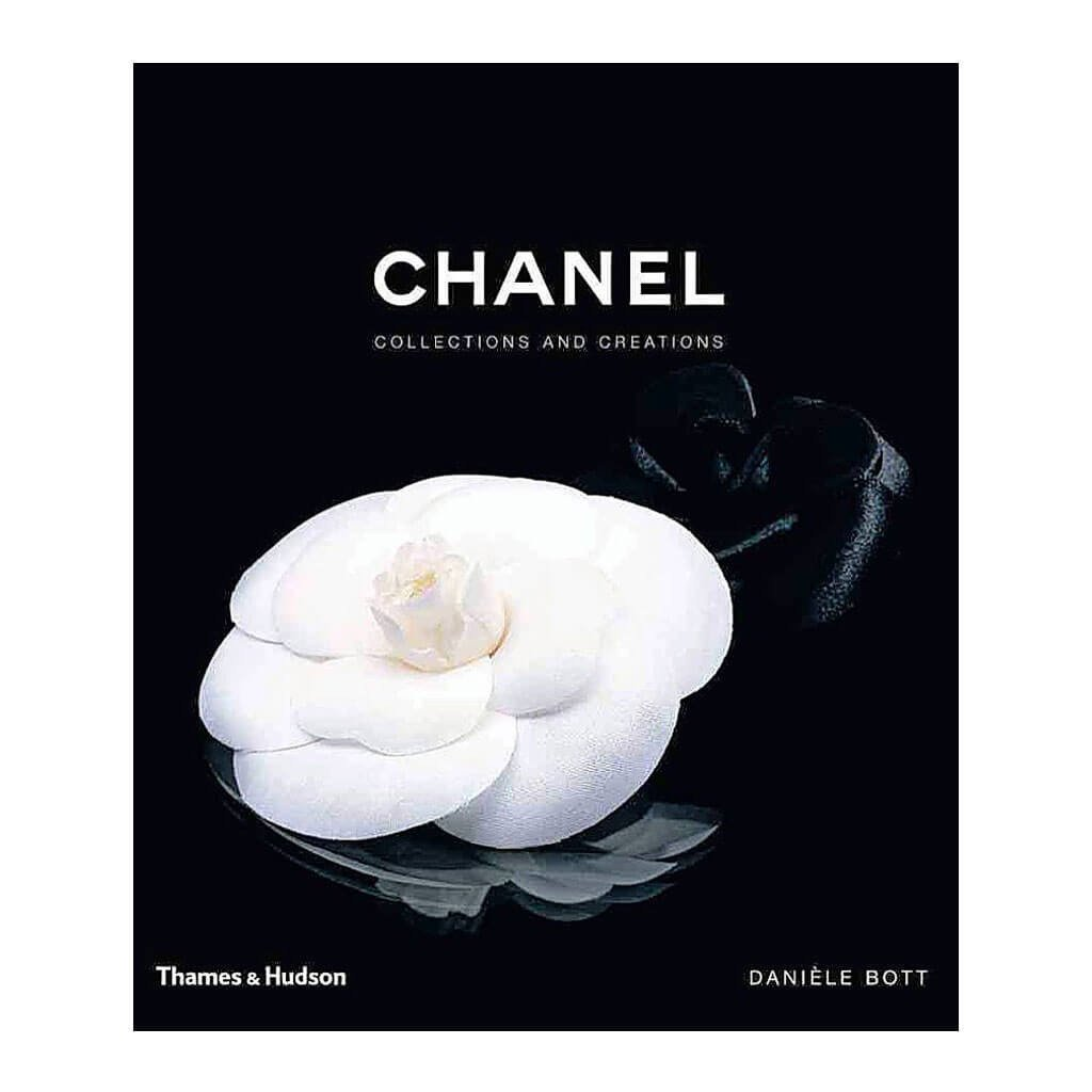 coffee-table-books-thames-_-hudson-daniele-bott-chanel-collections-and-creations-9780500513606-front-cover_1024x1024
